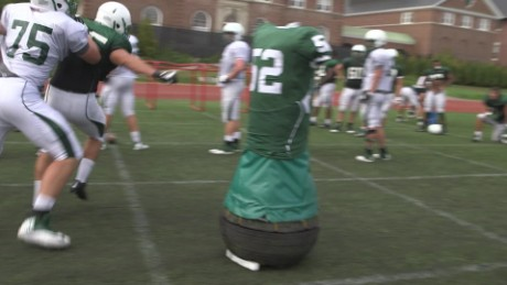 Robot helps football players avoid concussions