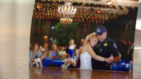 fallen officer daughter honored at wedding_00004430.jpg