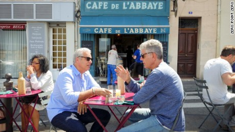 Anthony Bourdain: Parts Unknown - 313 - MarseilleTony and Eric talk about expectations for their visit over lunch at Café de L'Abbaye in Marseille.