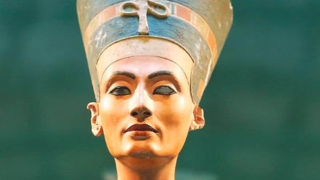 Queen Nefertiti's resting place discovered?