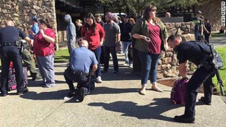 oregon umpqua community college shooting scene david jaques bpr nr_00004812