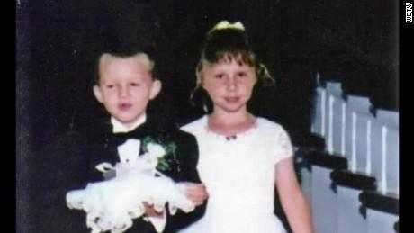 ring bearer and flower girl married years later pkg_00000524