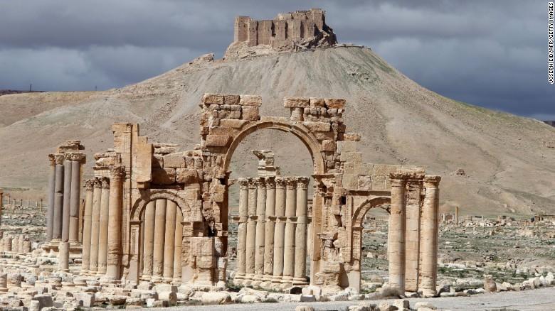 http://i2.cdn.turner.com/cnnnext/dam/assets/151005134005-syria-palmyra-arch-of-triumph-exlarge-169.jpg