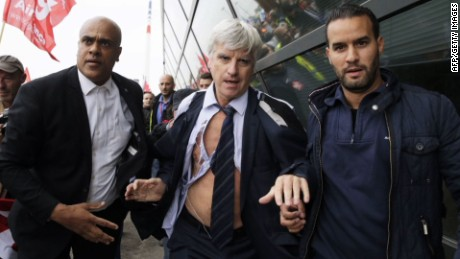 Airline executives attacked Air France_00000000