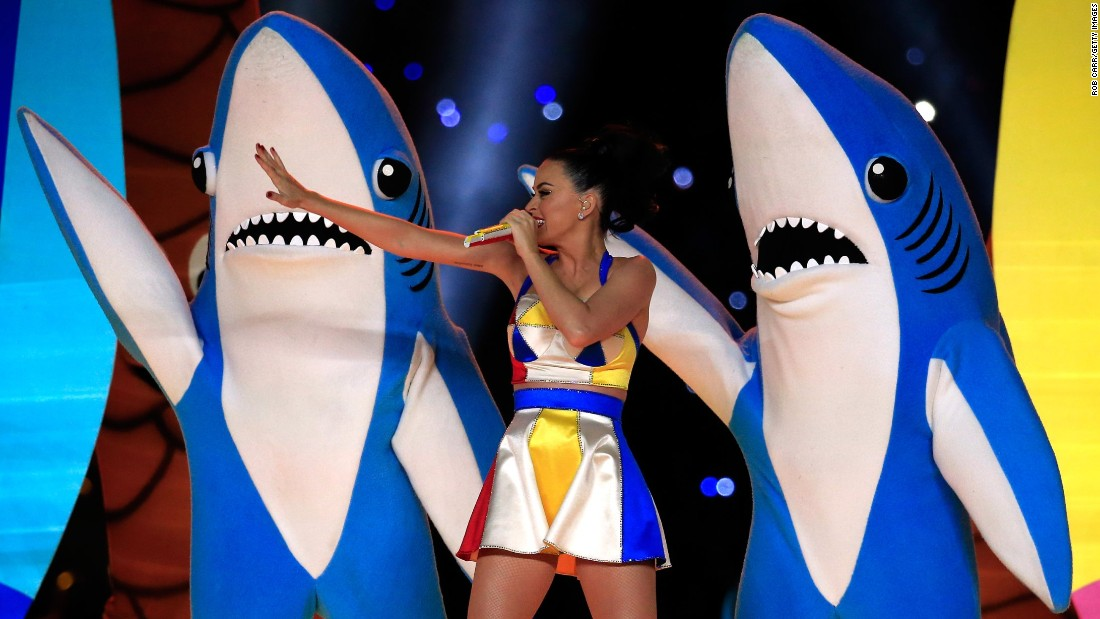 "Did you already forget about Left Shark, of Katy Perry Super Bowl halftime show fame? For shame! Dress up in ocean blue and cut a fin out of cardboard that you can decorate with tin foil or construction paper. Or if you've got an old Hotdog on a Stick uniform lying around, you can <a href=""https://pbs.twimg.com/media/B8zZLVwIgAAAqFa.jpg"" target=""_blank"">be Katy herself</a>."