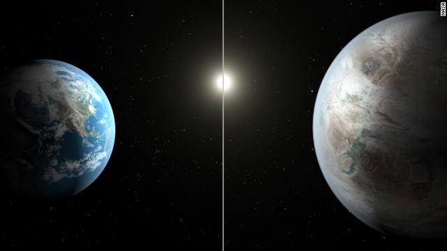 Una comparación paralela de Kepler 452-b y de la Tierra (representación de un artista).