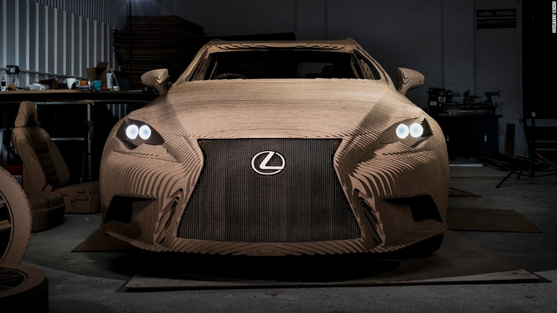 The cardboard car contains no sheet metal, glass or plastics, but is built on a steel and aluminium frame.