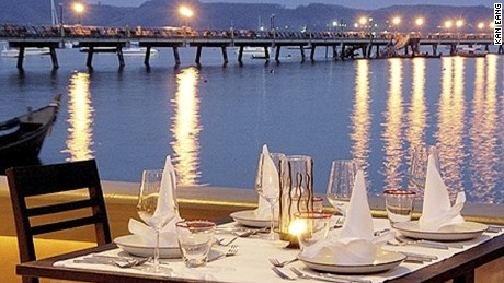 In the evening the nearby pier lights up, making Kan Eang a relaxing place for al fresco dining.