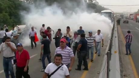 cnnee pkr rodriguez rey teachers strike_00003013