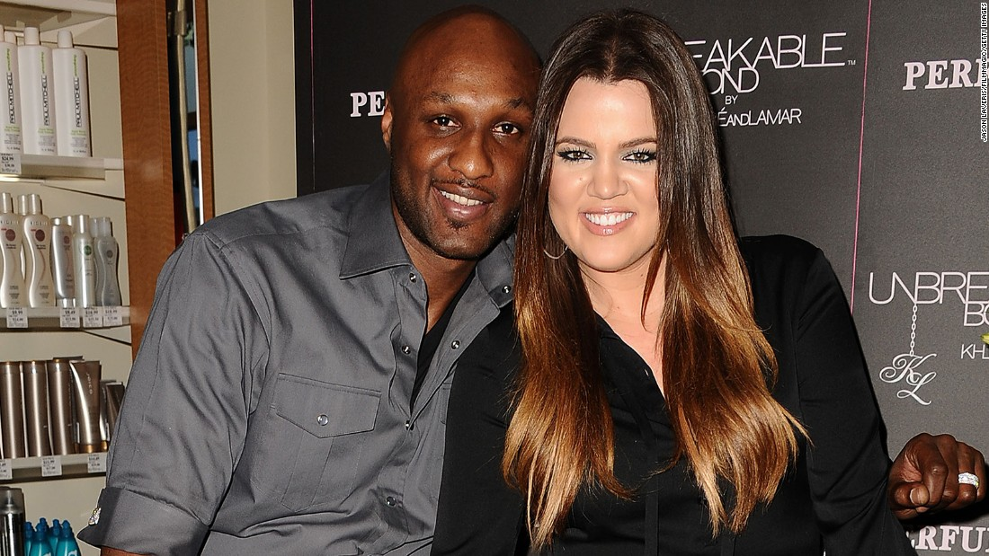 Odom awake, speaks to Khloe