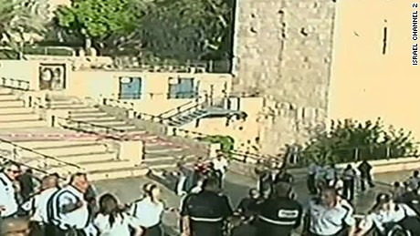 Attempted stabbing foiled at Jerusalem's Damascus Gate