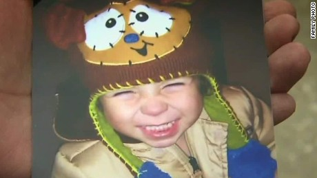 chicago toddler shot killed by brother flores dnt ac _00021816
