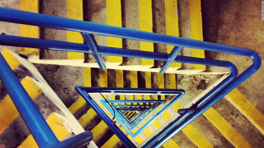 <strong>2. Learn from locals</strong> -- You can find photogenic spots in the places you visit through hashtags, geotags and feeds of local Instagrammers. A photographer I knew through Instagram pointed me in the direction of this colorful staircase.