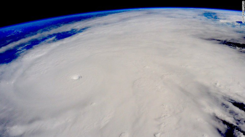 http://i2.cdn.turner.com/cnnnext/dam/assets/151023142534-hurricane-patricia-scott-kelly-exlarge-169.jpg