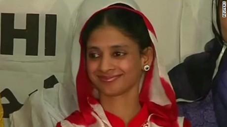 geeta returns to india agrawal pkg idesk_00004814.jpg