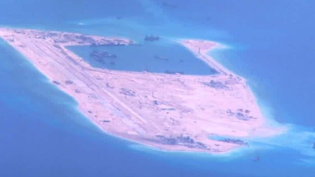 U.S. warship sails close to Chinese artificial island in South China Sea
