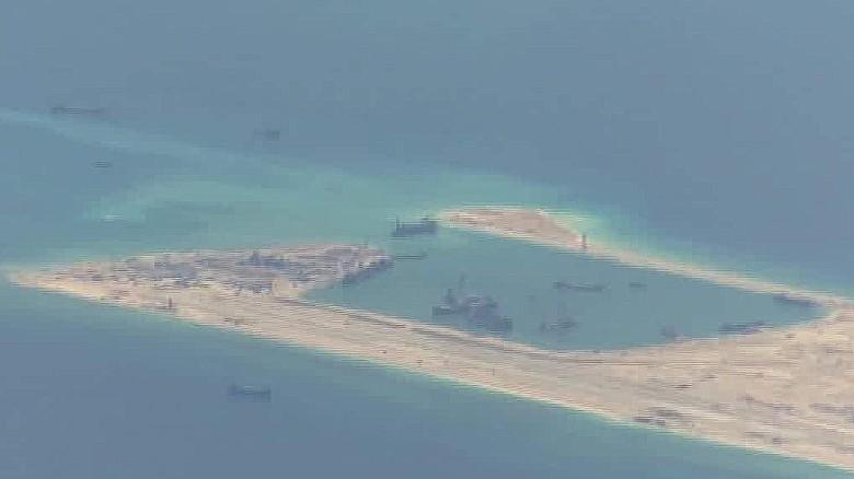 U.S. warship passes near disputed Chinese island