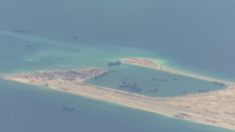 U.S. warship passes near disputed Chinese island