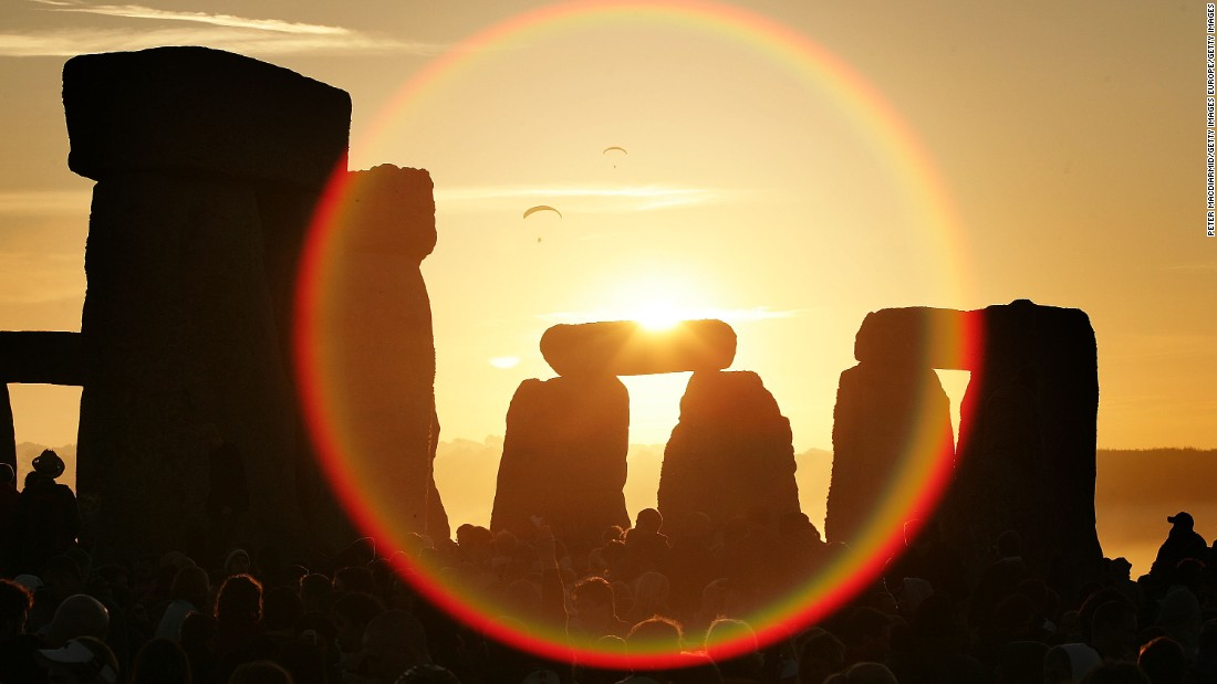 Full Moon Ushers In Summer Solstice