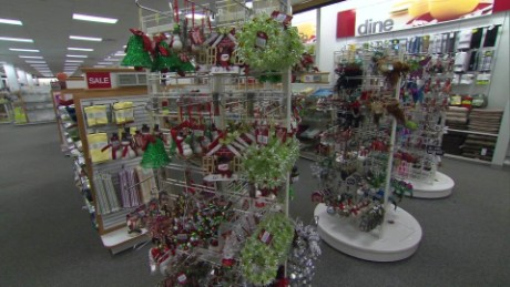 Holiday Retail Hiring Trends_00014401
