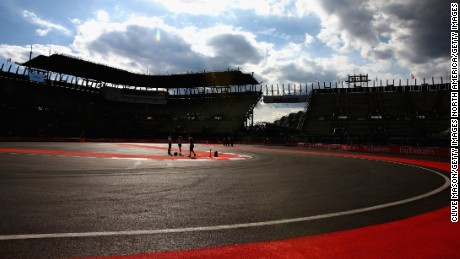 MEXICO CITY, MEXICO - OCTOBER 29:  A general view of the track during previews to the Formula One Grand Prix of Mexico at Autodromo Hermanos Rodriguez on October 29, 2015 in Mexico City, Mexico.  (Photo by Clive Mason/Getty Images)