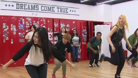 south korea new dance craze novak pkg_00003819