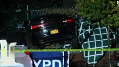 Car plows into trick or treaters_00005815