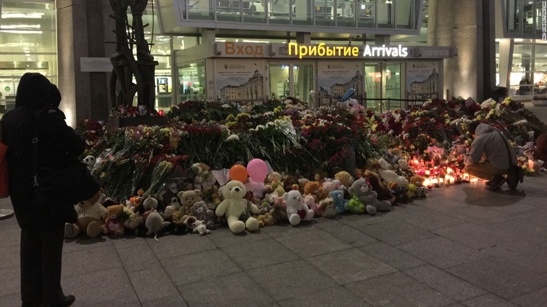 People visit a makeshift memorial at the airport in St. Petersburg, Russia, on November 3.