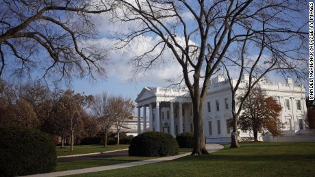 The White House is seen in this November 27, 2014 photo on Thanksgiving Day in Washington, DC. AFP PHOTO/Mandel NGAN        (Photo credit should read MANDEL NGAN/AFP/Getty Images)
