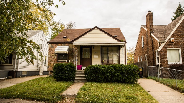 Ben Carson's origin story surprises Detroit neighbors