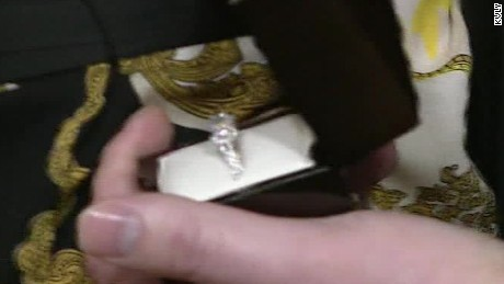 reporter gets engaged on live tv sot _00003511
