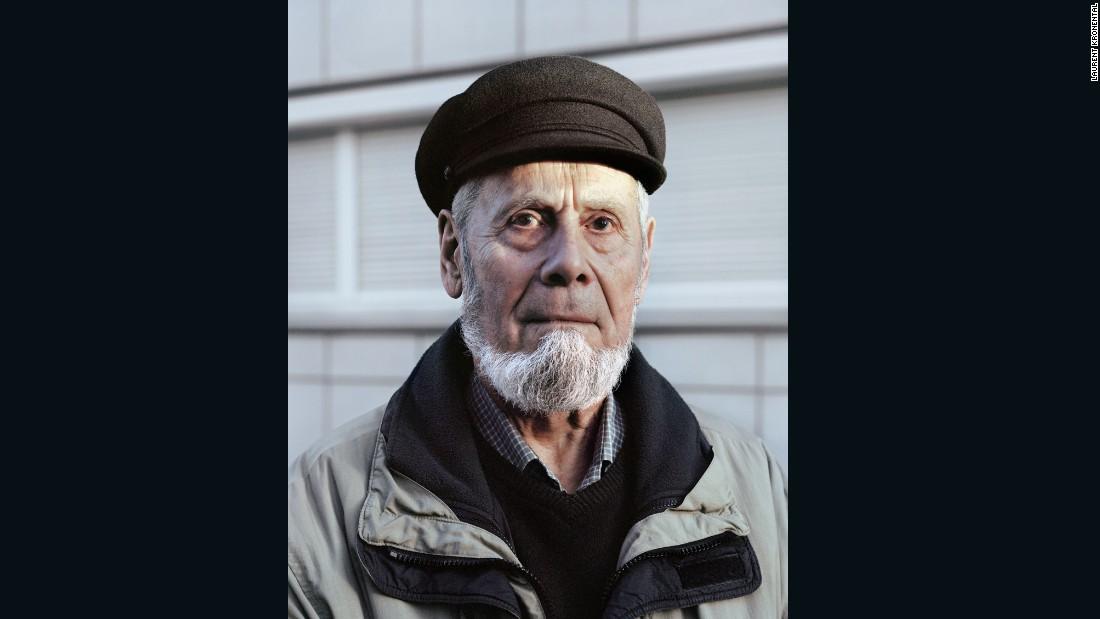 Jean-Claude, 77, Charras, Courbevoie, 2014