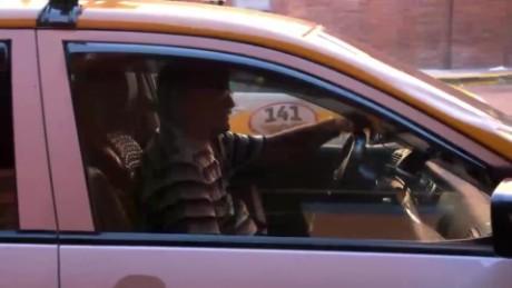 cnnee pkg klein uber in uruguay _00013221