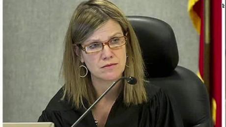texas judge shot dnt lavandera ac_00000521