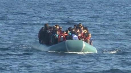 Migrants reach Lesbos