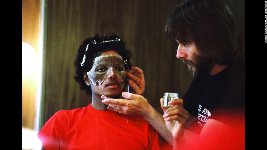 10 photos des coulisses du tournage de Thriller 151113102245-05-tbt-michael-jackson-thriller-restricted-super-169