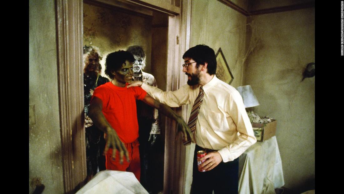 10 photos des coulisses du tournage de Thriller 151113102545-08-tbt-michael-jackson-thriller-restricted-super-169