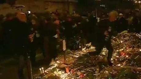 paris memorial crowd seen running vo sotu_00010914
