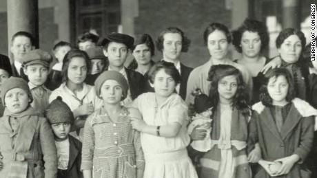 history of Immigrants carroll pkg ctn_00001723