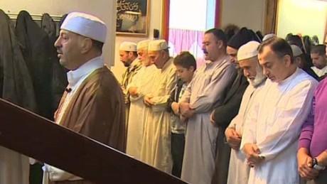 paris muslims invisible enemy bitterman pkg amanpour_00023825.jpg
