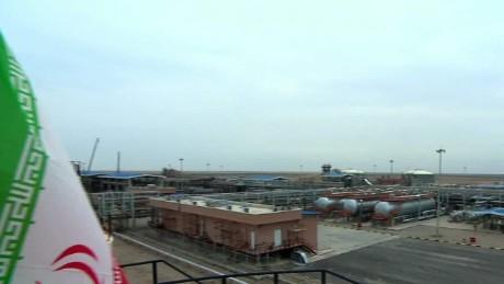 inside oil fields of iran defterios pkg qmb_00002019
