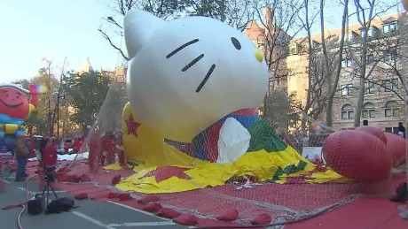 Macys Balloon Time Lapse thanksgiving parade sot_00005913