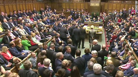 uk lawmakers vote yes on joining airstrikes in syria against isis liveshot foster_00012708.jpg