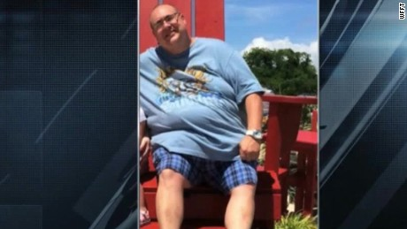 man loses 150 pounds 10 months weight loss pkg_00012013
