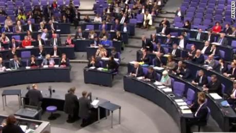 german lawmakers anti isis military role vote shubert cnni nr lklv_00001327