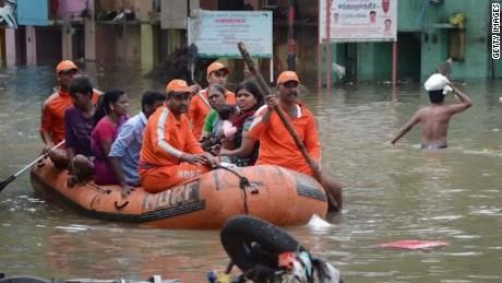 india floods curnow pkg_00004712
