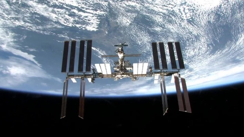 ISS orbits the Earth for the 100,000th time - CNN.com