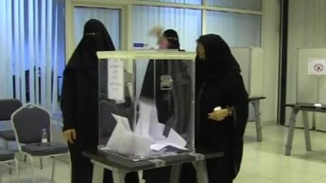 saudi women historic elections anderson pkg_00004330.jpg