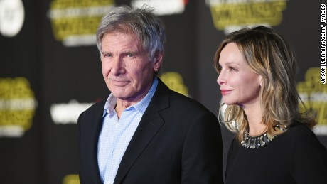 ''Star Wars: The Force Awakens' premieres in Los Angeles' from the web at 'http://i2.cdn.turner.com/cnnnext/dam/assets/151214213925-03-star-wars-premiere-large-169.jpg'