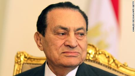 Egyptian President Hosni Mubarak holds a meeting in Cairo on February 8, 2011.